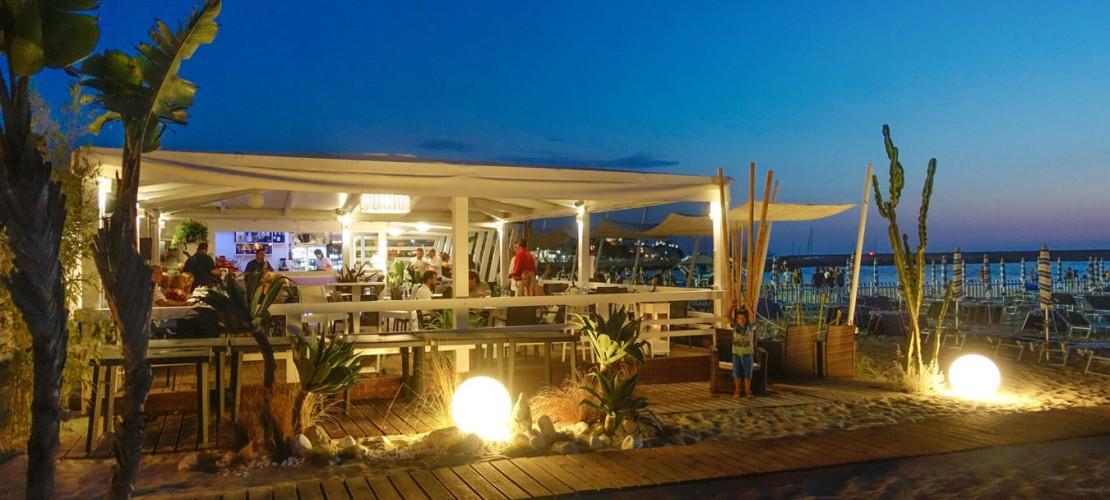 Seasons Beach Bar & Restaurant