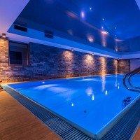 Pentru totdeauna vara Resort piscină interioară