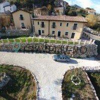 Borgo Donna Teresa structura