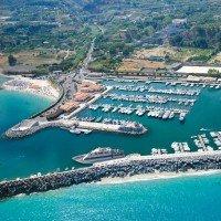 Hotel la Pineta portul