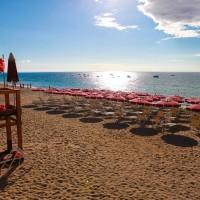 Plaja Club Esse Sunbeach în concesiune