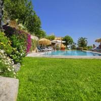 Hotel La Luna lângă piscină