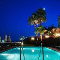 Detalii despre piscina nocturnă Hotel La Luna