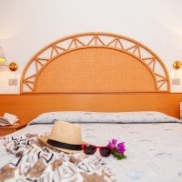 TH Bay of the Achaeans bed details